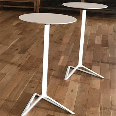 High Bar Blanco 105cm (h) 69cm (diameter top)