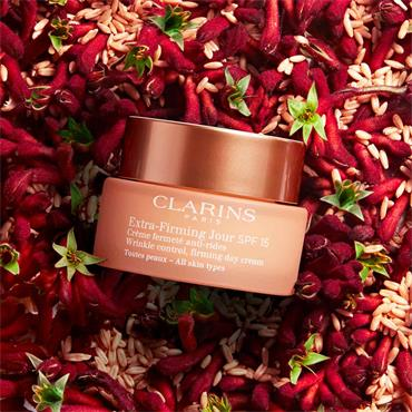 Clarins Extra Firming Day SPF15 All Skin Types