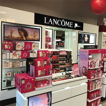 Great Selection of Lancôme gifts available in store