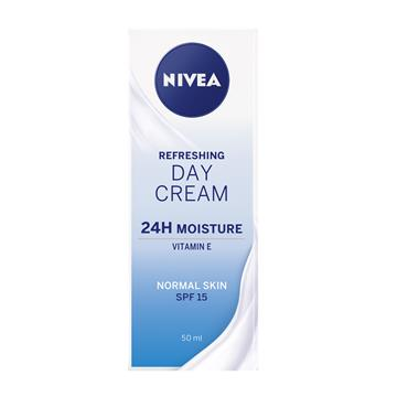 Nivea Refreshing 24H Moisture Day Cream SPF15 50ml