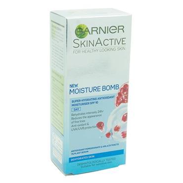 Garnier SkinActive Moisture Bomb Moisturiser SPF 10 50ml