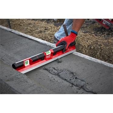 """Milwaukee 48"""" (120cm) Redstick Concrete Level"""