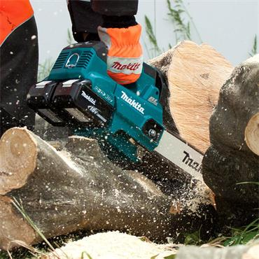 "Makita DUC256Z 10"" (250mm) Twin 18v LXT Brushless Chainsaw 3/8"" Pitch (Body Only)"