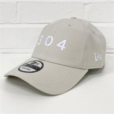 304 X NEW ERA 9FORTY CAP - GREY
