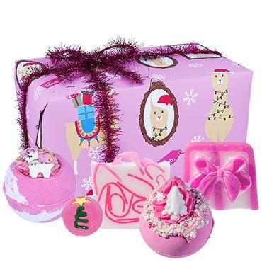 Bomb Cosmetics Gift Wrapped Fleece Navidad