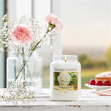 Yankee Candle Camellia Blossom Medium Jar