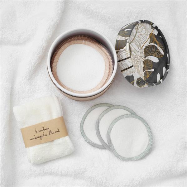 Makeup, Beauty and More: Lancome Holiday Beauty Box 2020