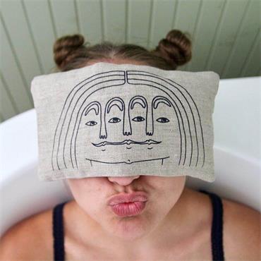 Blasta Henriet Eye Pillow Face
