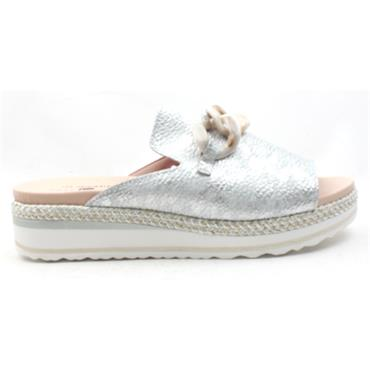 JOSE SAENZ CLOSED TOE SHOE 2160A - SILVER