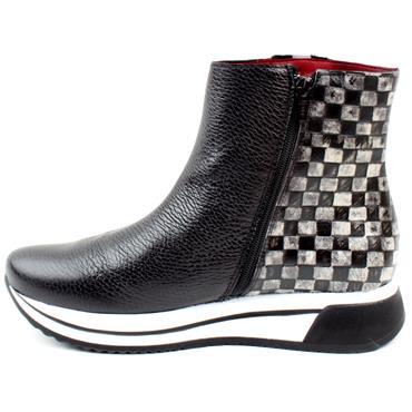 JOSE SAENZ 3104 TRIM BOOT - BLACK/WHITE
