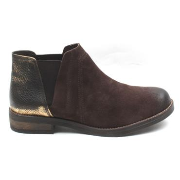 CLARKS DEMIBEAT ANKLE BOOT - DARK BROWN
