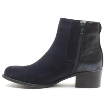 AMY HUBERMAN PICTUREPERFECT - NAVY SUEDE
