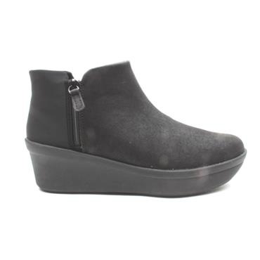 CLARKS STEP ROSEUP WEDGE BOOT - BLACK D