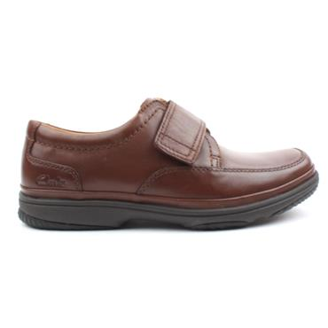 CLARKS MENS SWIFTTURN SHOE - BROWN