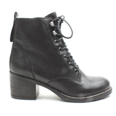 CLARKS THORNBY LACE BOOT - BLACK D