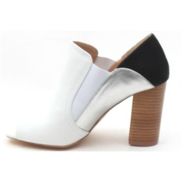 267f6e4fc226 ... AMY HUBERMAN VALLEY GIRL OPEN TOE SHOE - GHOST