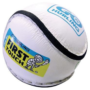 O'Neills First Touch Sliotar 7 - 8 years