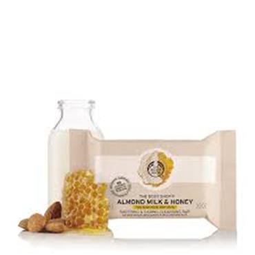 The Body Shop Almond Milk & Honey Soothing & Caring Cleansing Bar 100g